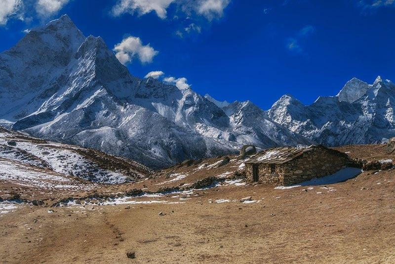 Las pequeñas casas de piedra de los sherpas residentes de la Región Everest