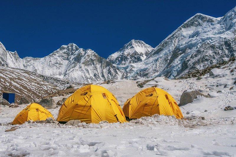 Las tiendas de expedición empiezan a aparecer en Gorak Shep