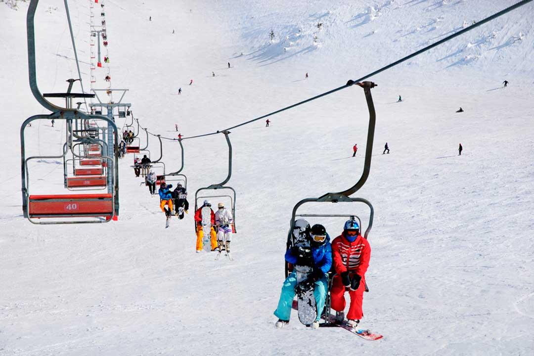 Los remontes de las estaciones están contemplados en las diferentes coberturas de los seguros de esqui
