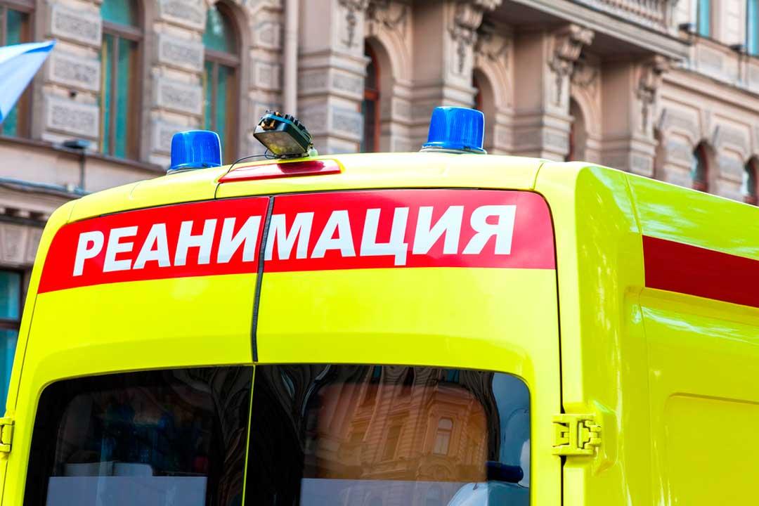 Un seguro de viaje proporciona asistencia sanitaria en el extranjero, incluyendo el traslado en ambulancia.