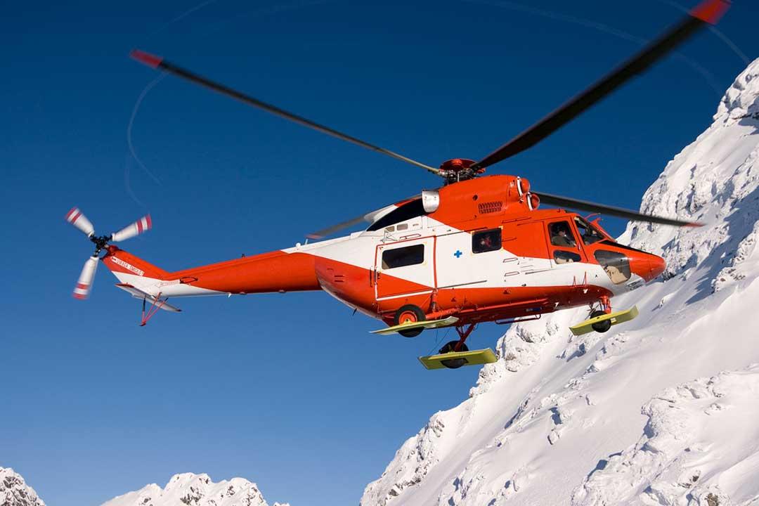 El rescate en helicóptero, entre las coberturas del seguro para esquiar fuera de pista