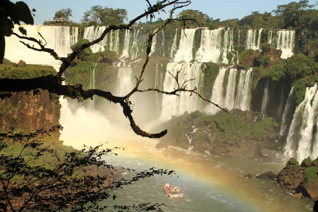 Ver las Cataratas de Iguazu, uno de los planes que hacer en Argentina
