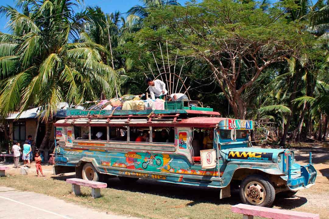 No dejes de subirte a un jeepney durante tu viaje a Filipinas