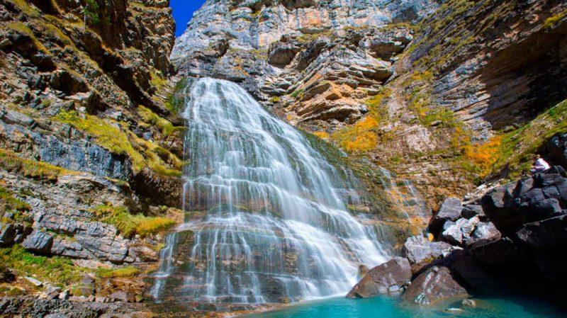 El otoño es una estación con cambios bruscos de tiempo. Ve correctamente equipado en tu ruta de trekking otoñal.