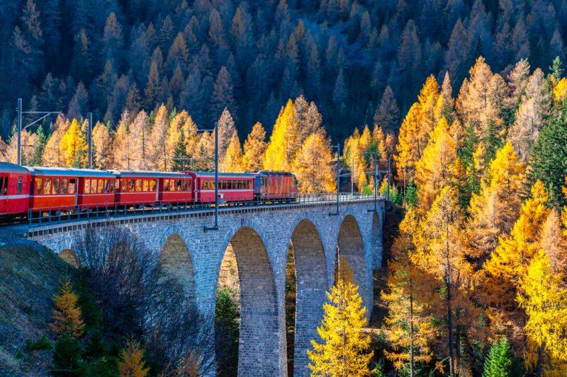 El Viaducto de Landwasser suele aparecer a menudo en los rankings de mejores fotos de viaje