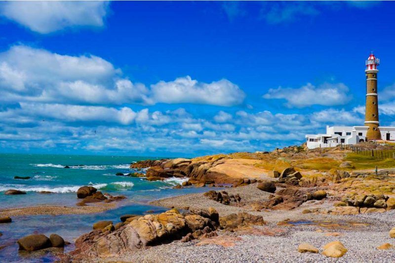 Viajar a Urugauay desde España te permitirá disfrutar de un destino de verano fresco