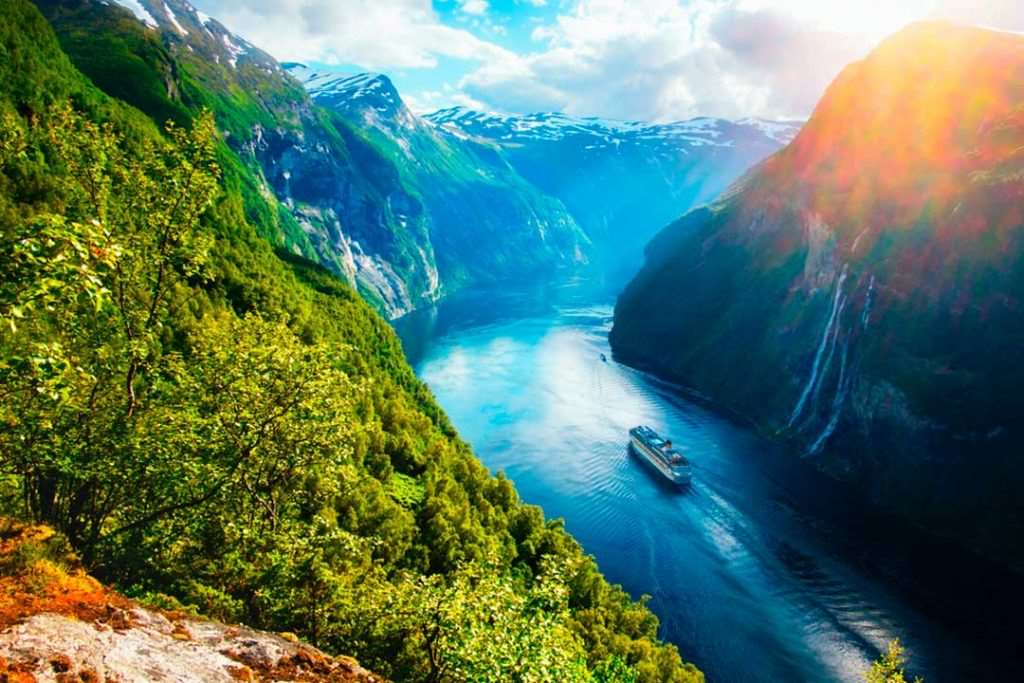 Uno de los mejores cruceros que hacer en Noruega es el de los Fiordos, ideal para verano