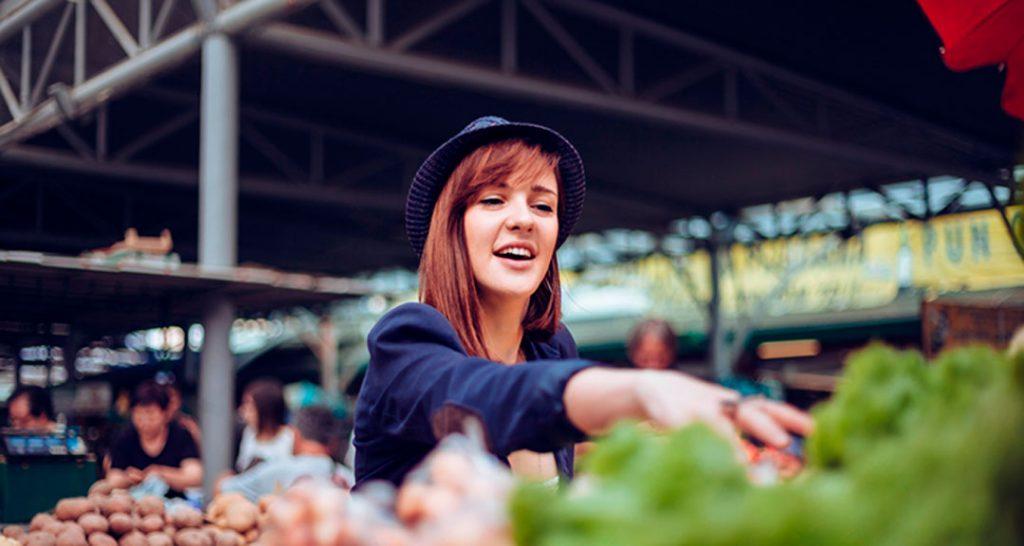 El movimiento slow food, que posteriormente derivó al slow travel, apareció en Italia en los años 80 en Italia